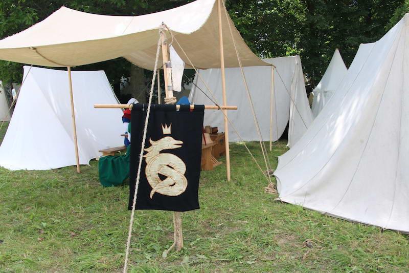 Рыцарский лагерь